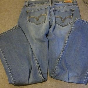 Juniors Levi Jeans